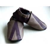 Chaussons en cuir souples - Taupe Prune Triangle. Fait main et unique.
