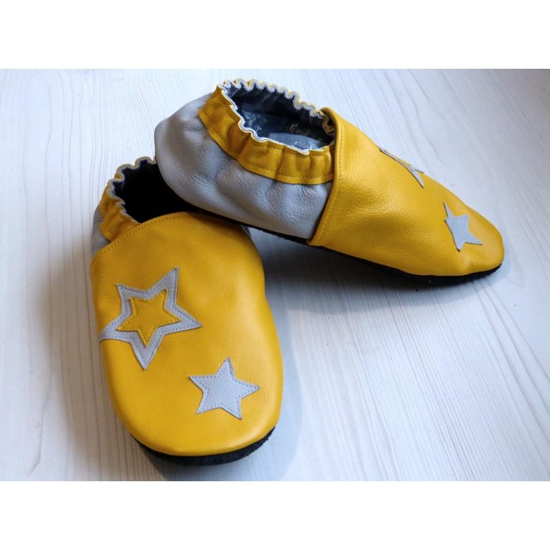 Chaussons en cuir souples - Jaune, Gris et étoiles. Fait main et unique.