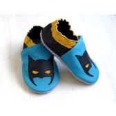 Chaussons en cuir souple - Super héro bleu. Antidérapants et résistants