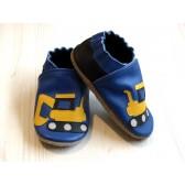 Chaussons en cuir souple -Pelleteuses bleues. Fait main et unique.