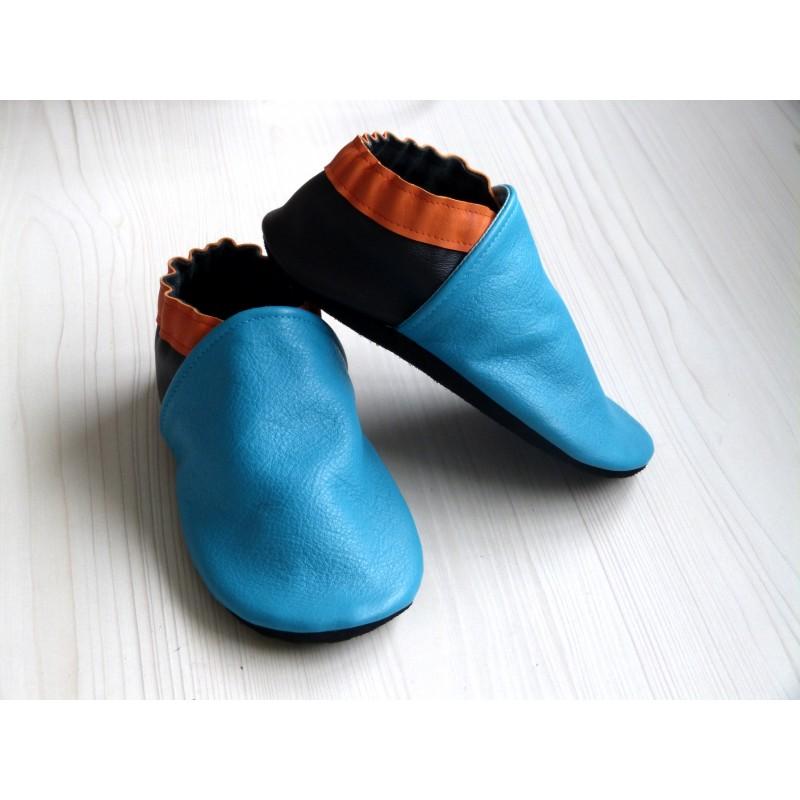 Chaussons en cuir souples - Bleu Turquoise, Orange, Noir. Fait main et unique.